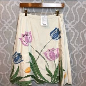 Beautiful NWT Anthropologie embroidered Skirt.